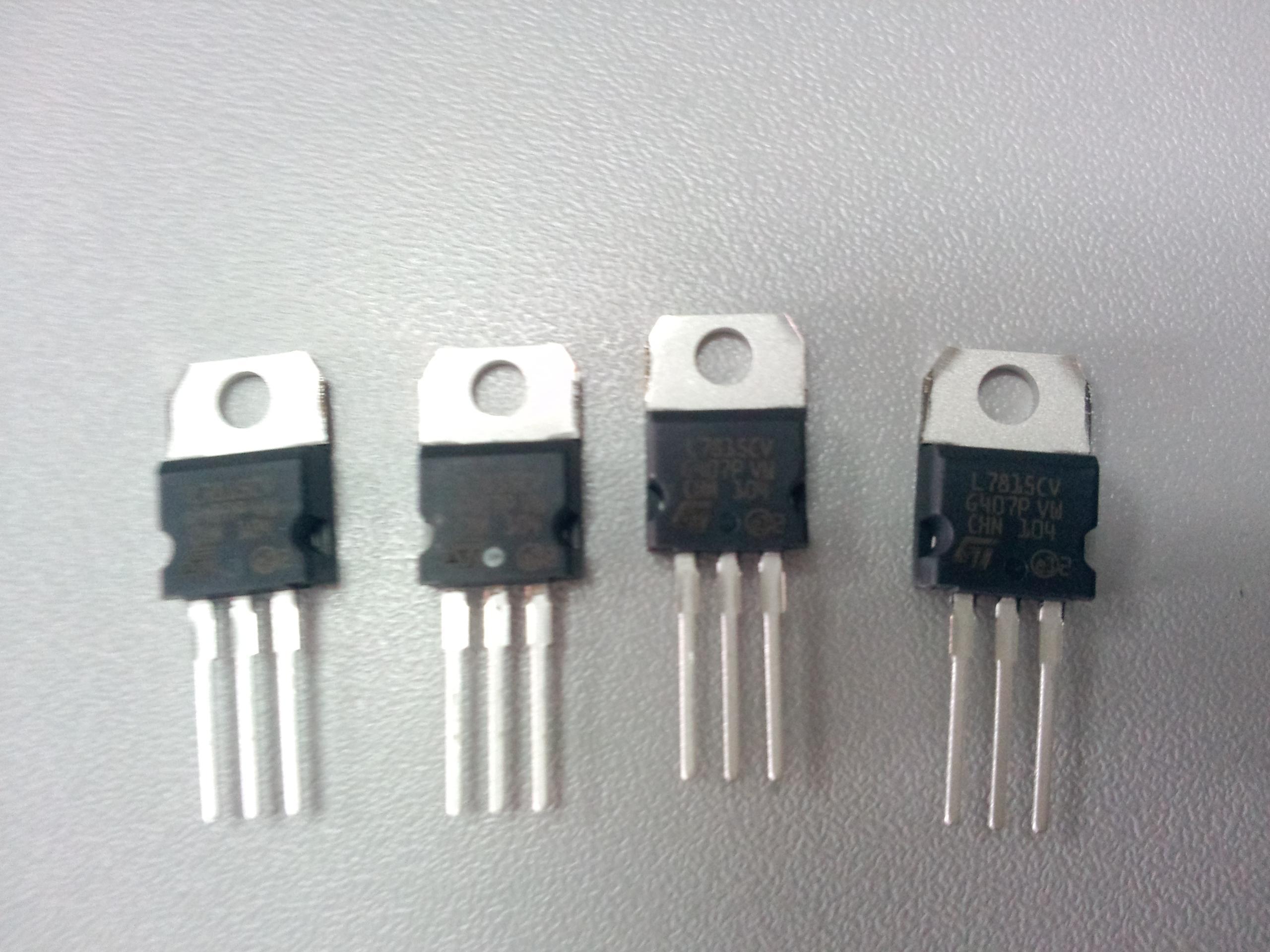 稳压芯片l7815cv