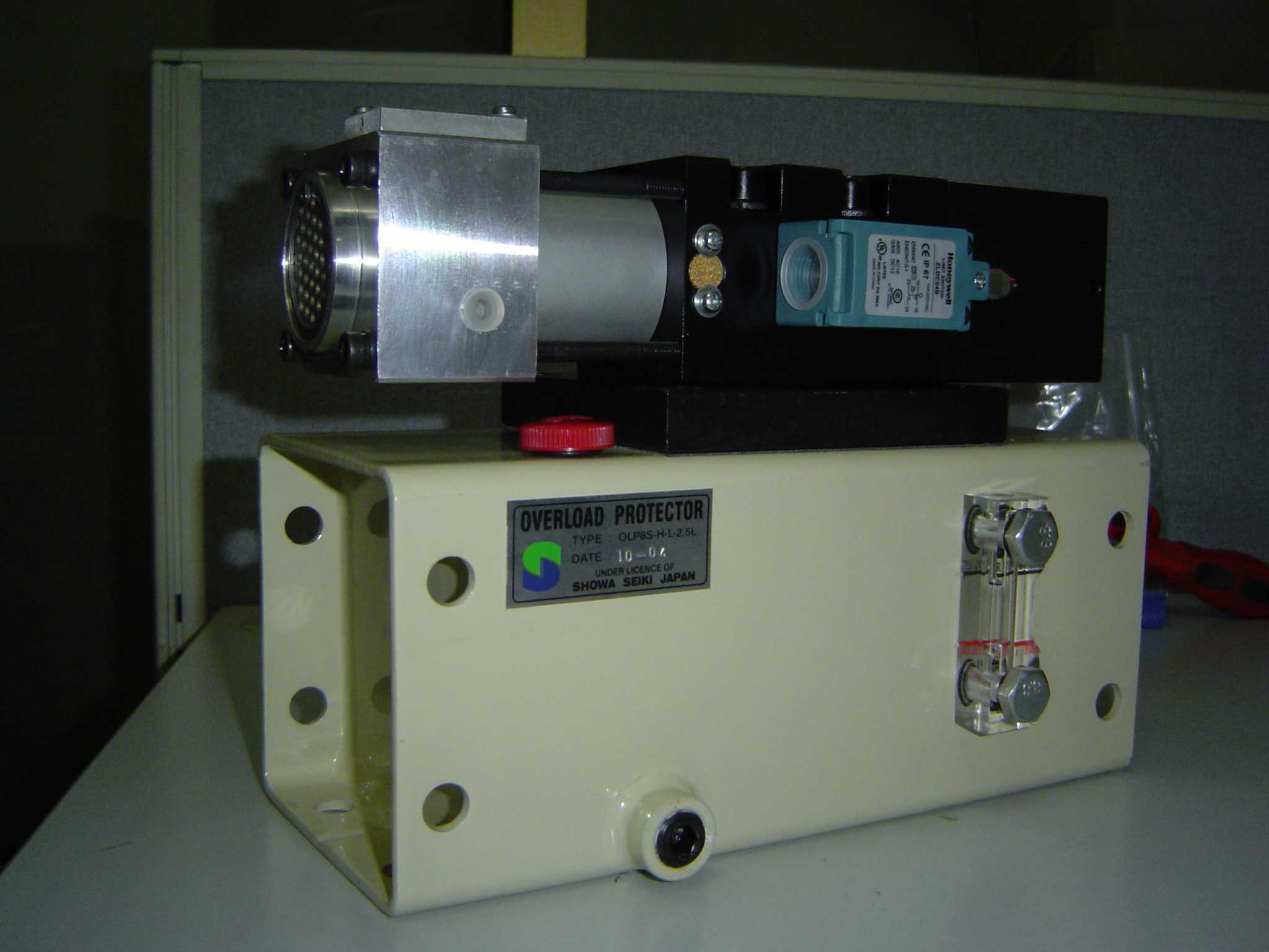 冲床液压过载泵结构图